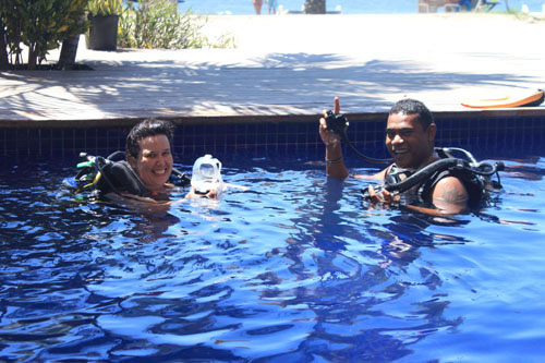Take diving or (free)snorkelling lessons in the pool